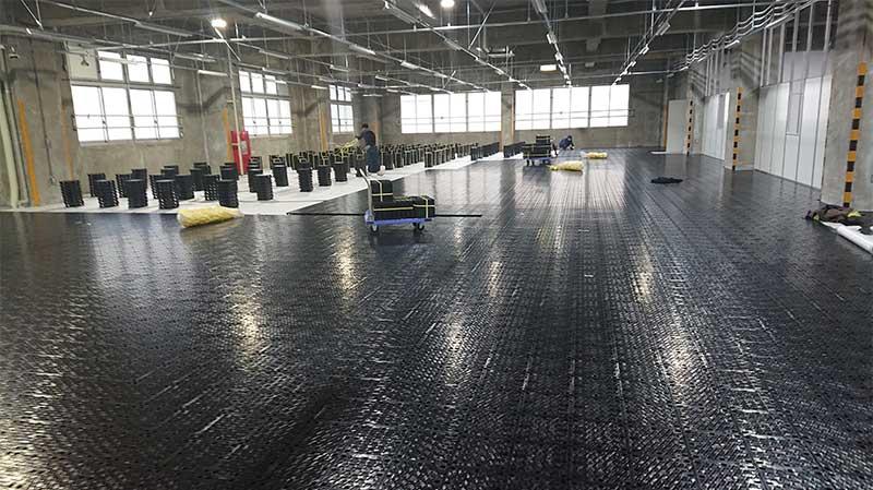 倉庫を事務所化OAフロア工事