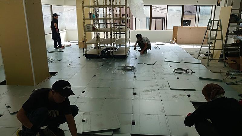 事務所のOAフロア工事